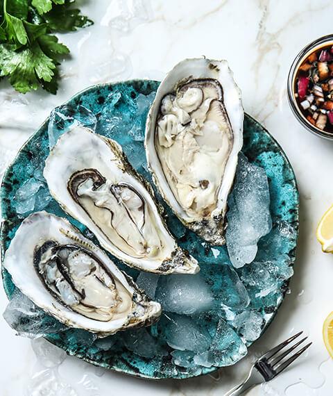 Ostriche, crudites di scoglio, marinate di pescato fresco del Mediterraneo